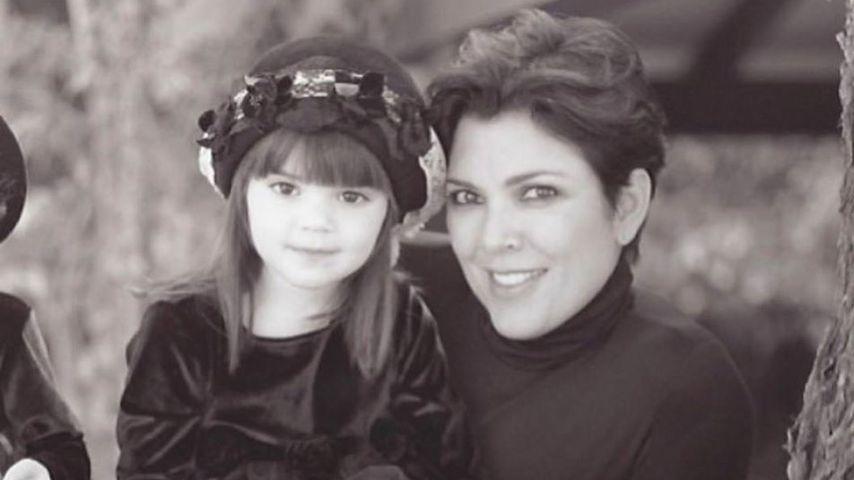 Mama-Tochter-Throwback: Mini-Kendall knuddelt Mama Kris