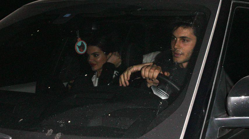 Heißer Chauffeur: Kendall Jenner mit neuem Hottie gesichtet!