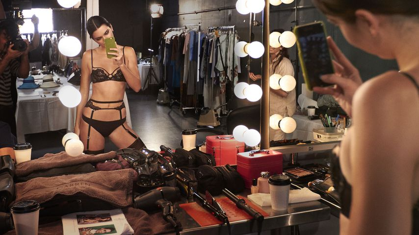 Strapse & Spitze: Dessous-Model Kendall Jenner hot wie nie!