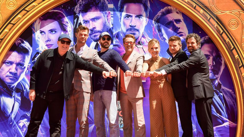 Kevin Feige, Chris Hemsworth, Chris Evans, Robert Downey Jr., Scarlett Johansson, Mark Ruffalo