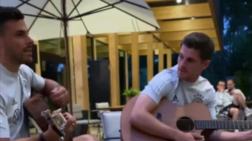 Die DFB-Kicker Kevin Volland und Jonas Hofmann