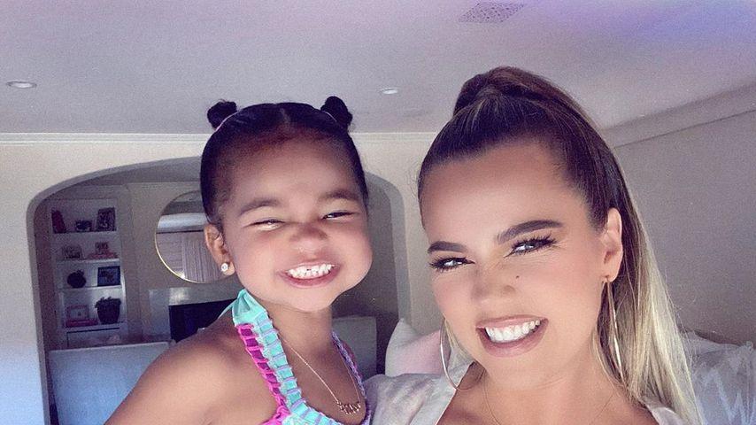 True Thompson mit ihrer Mama Khloé Kardashian