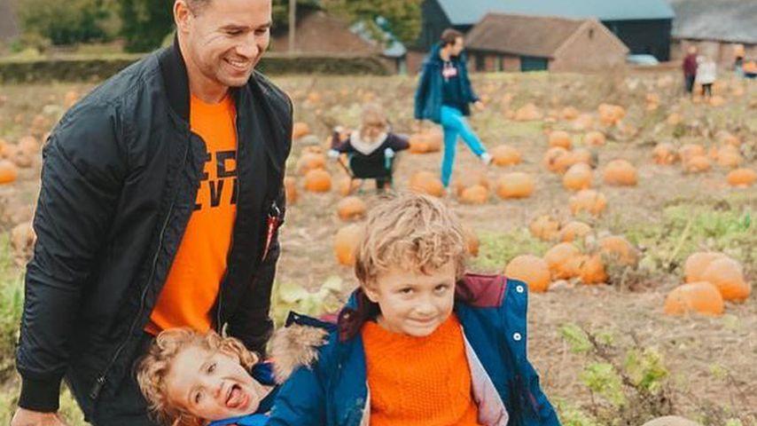 Kieran Hayler mit seinen Kindern Bunny und Jett, Oktober 2019