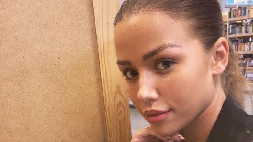 Nächster Foto-Fail: Kim Gloss macht Selfie in Wahlkabine!