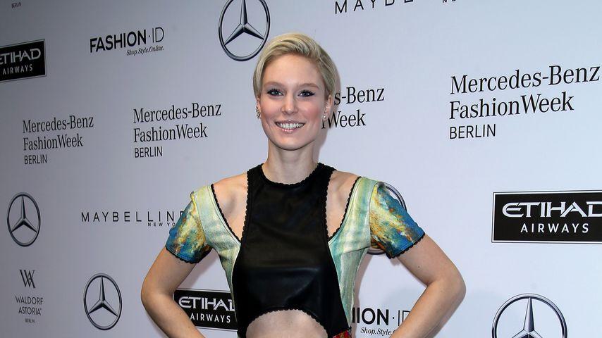 Kim Hnizdo bei der Mercedes Benz Fashion Week in Berlin