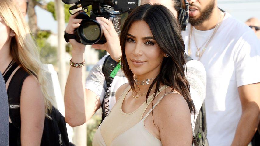 """Kim Kardashian beim """"Famous""""-Event ihres Mannes Kanye West"""
