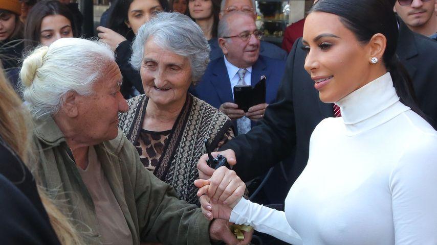Peinlicher Blitzer: Kim Kardashians unnötige Nippel-Show