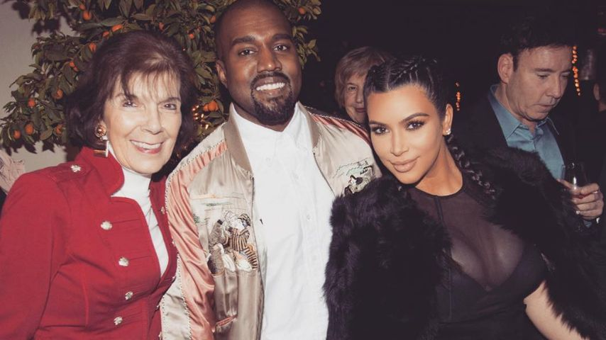 Kim Kardashian, Kanye West und Kim-Oma Mary Jo Shannon (v.r.n.l.)