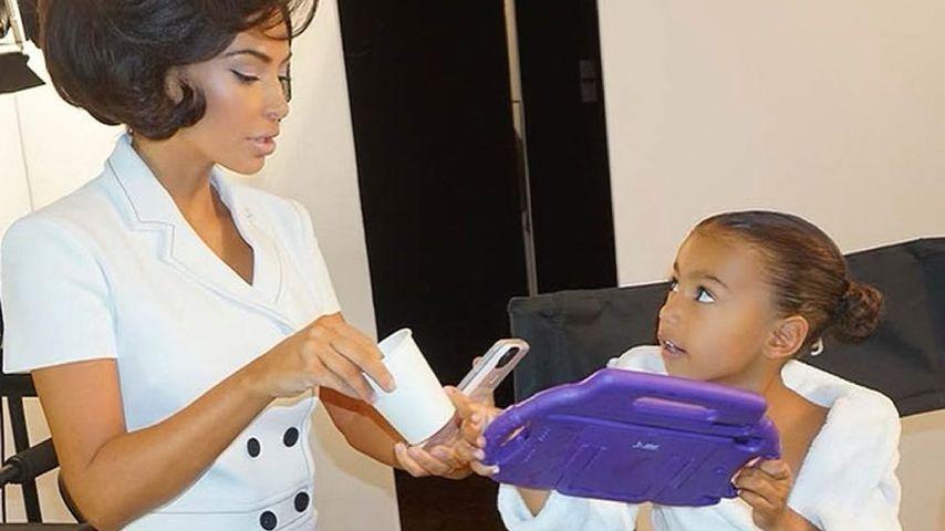 Kim Kardashian mit ihrer Tochter North West