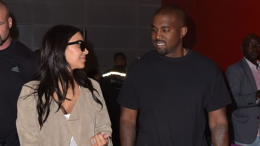 Kim Kardashian und Kanye West am Flughafen in Paris