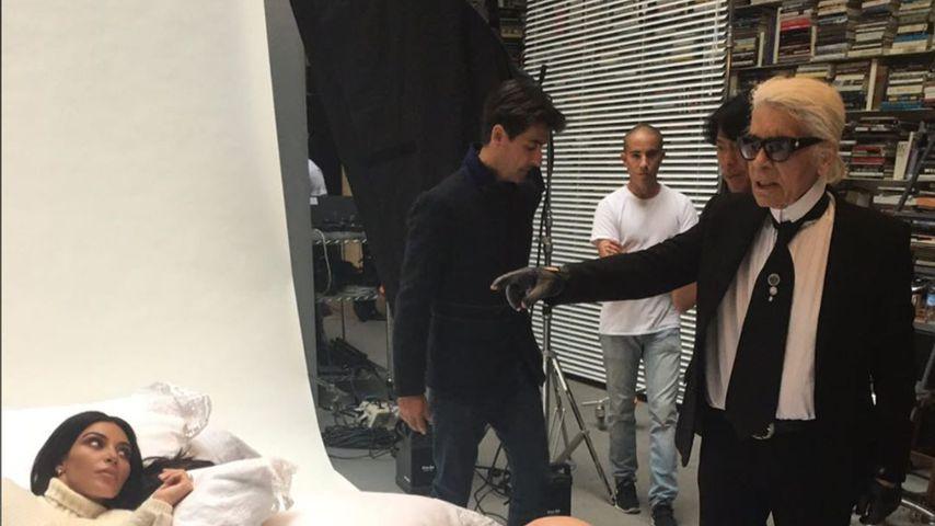Kim Kardashian und Karl Lagerfeld am Set