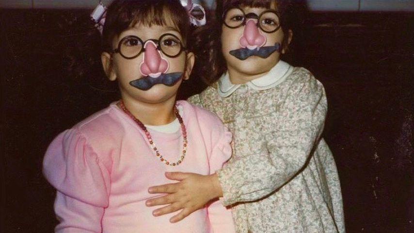 Kim Kardashian und Kourtney Kardashian in jungen Jahren