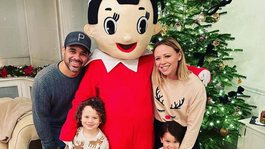 Kimberley Walsh mit ihrem Mann Justin und ihren Kindern Bobby und Cole