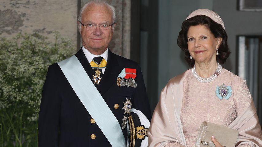 König Carl Gustaf und Königin Silvia von Schweden bei der Taufe von Prinz Oscar