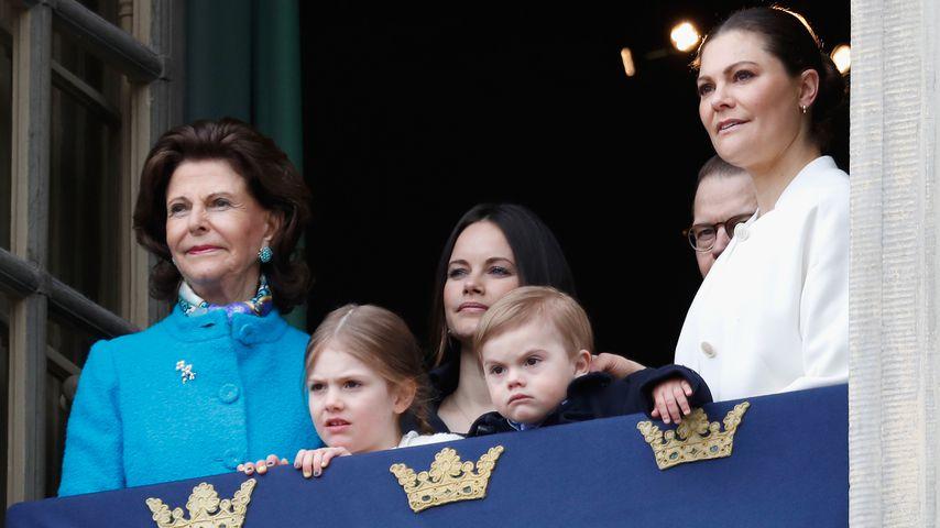 Königin Silvia, Estelle, Sofia, Oscar, Daniel und Victoria von Schweden beim Königs-Geburtstag