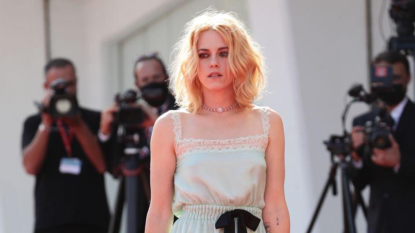 """Kristen Stewart im September 2021 bei der Premiere von """"Spencer"""" in Venedig"""
