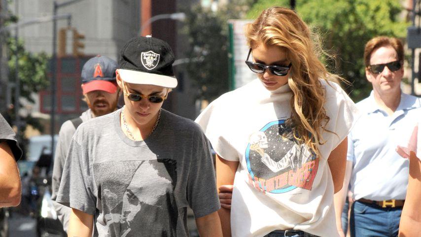 Kristen Stewart und Stella Maxwell in New York