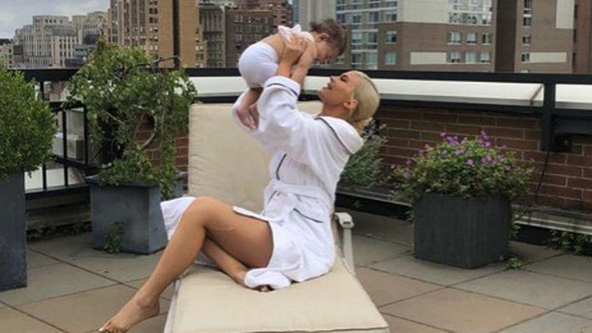 Kylie Jenner und ihre Tochter Stormi Webster