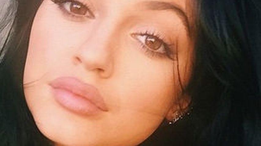 Artige Kylie Jenner drückt weiter die Schulbank!
