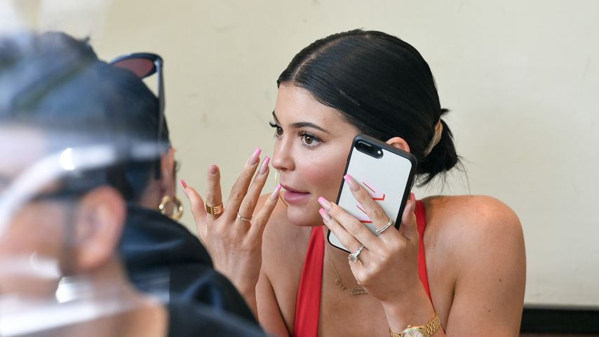 Etwa verlobt? Kylie Jenner nach Liebes-Urlaub mit Klunker