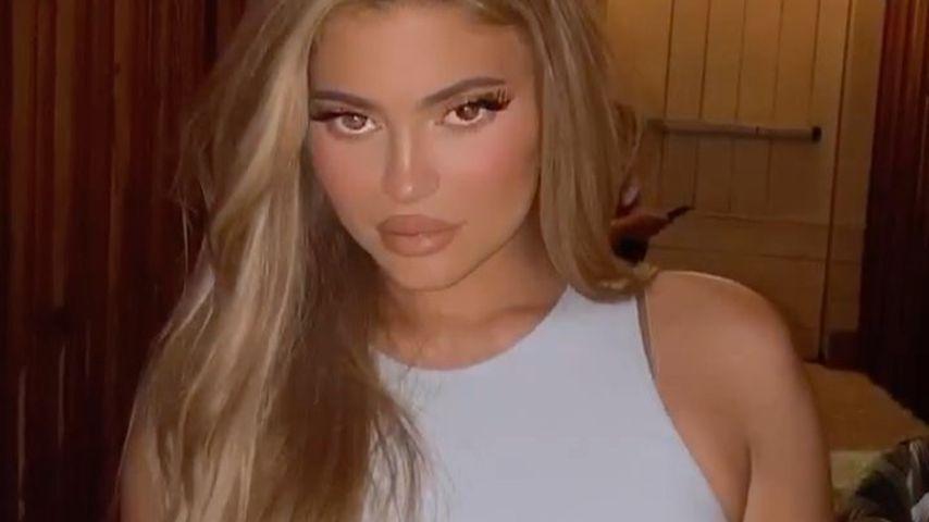Sie wechselt wieder: Kylie Jenner flasht mit blonder Mähne!