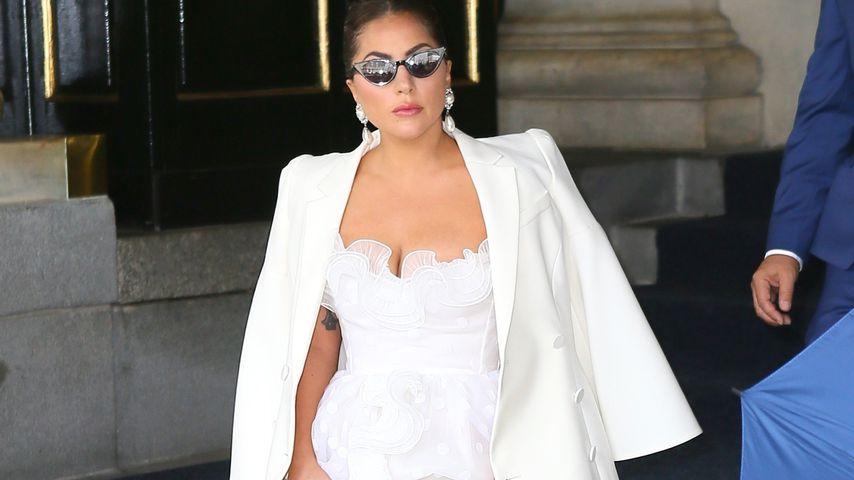Mega-Auftritt: Lady Gaga bezaubert im Brautkleid-Style!