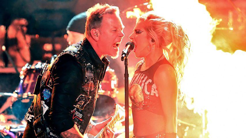 Lady Gaga bei ihrem Auftritt mit Metallica