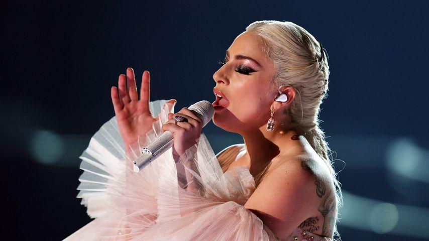 Schon wieder Starke Schmerzen Lady Gaga sagt Europa-Konzerte ab