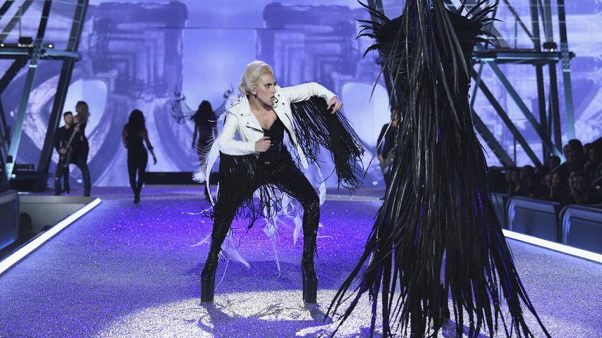 """G.U.Y.""-Video: Gelingt Lady GaGa das Comeback?"