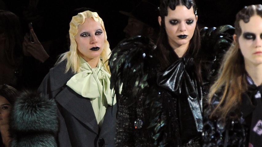 Sensation! Lady GaGa & Kendall Jenner teilen sich den Runway