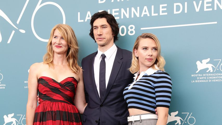 "Laura Dern, Adam Driver und Scarlett Johansson beim Photocall zur ""Marriage Story"" in Venedig"