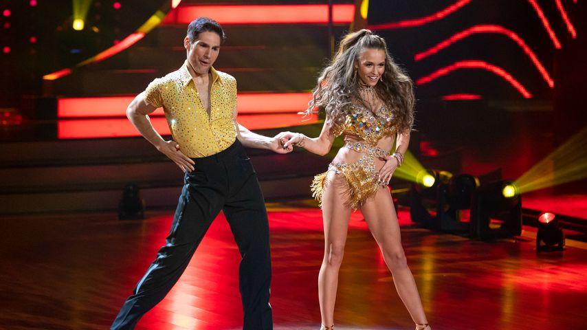 """Christian Polanc und Laura Müller in der ersten """"Let's Dance""""-Liveshow, Februar 2020"""