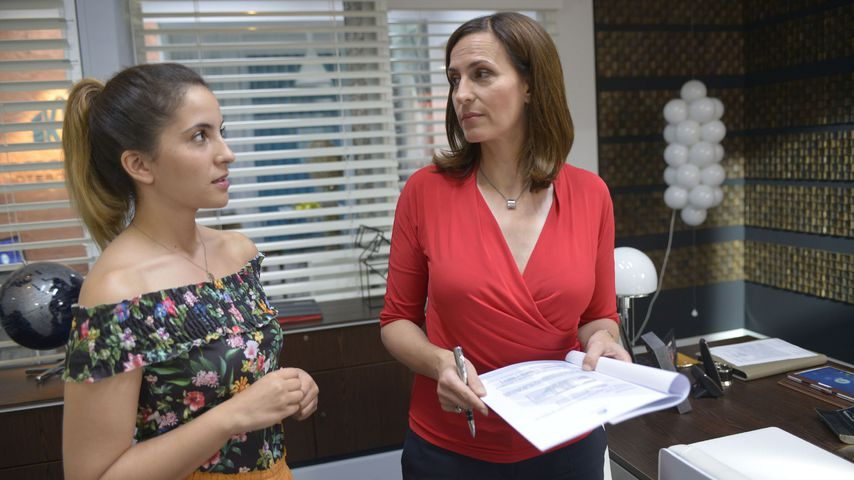 Laura (Chryssanthi Kavazi) und Katrin (Ulrike Frank) bei GZSZ