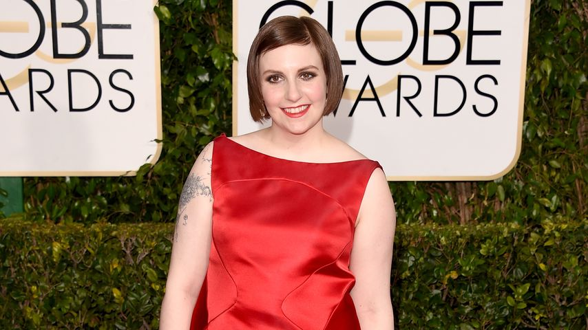Yoga! Freizügige Lena Dunham in waghalsiger Pose