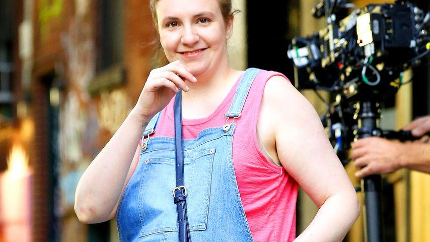 """Lena Dunham in ihrer Rolle der schwangeren Hannah am Set von """"Girls"""""""