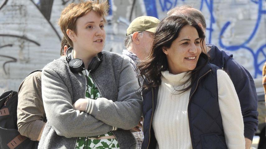 """Lena Dunham und Jenni Konner auf dem Set von """"Girls"""""""