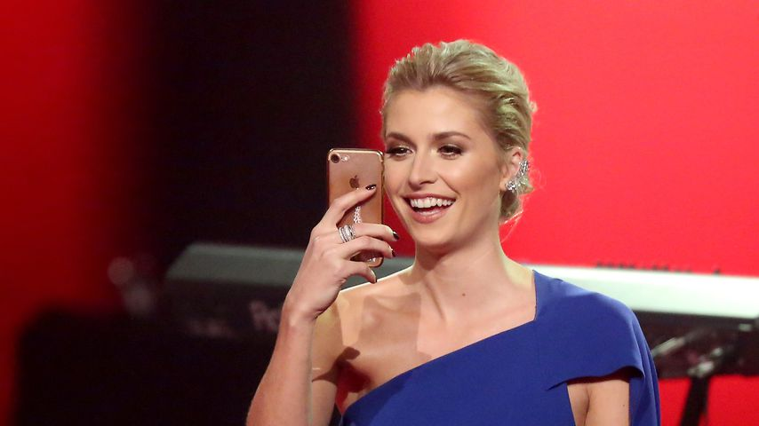 "Lena Gercke bei ""The Voice of Germany"" im Dezember 2017"