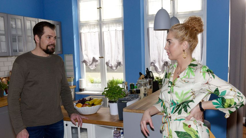 """Leon (Daniel Fehlow) und Nina (Maria Wedig) bei """"Gute Zeiten, schlechte Zeiten"""""""