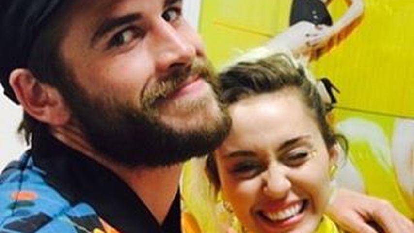 Selfie von Miley Cyrus und Liam Hemsworth