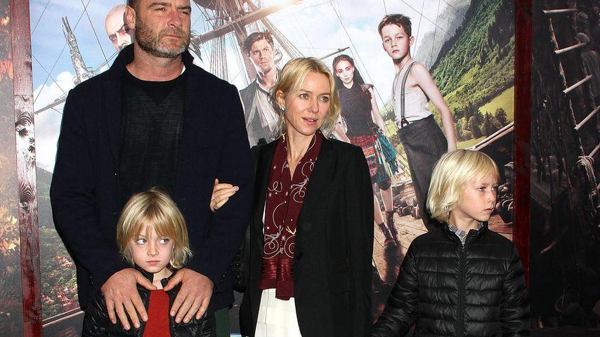 Liev Schreiber und Naomi Watts 2015 mit ihren Söhnen