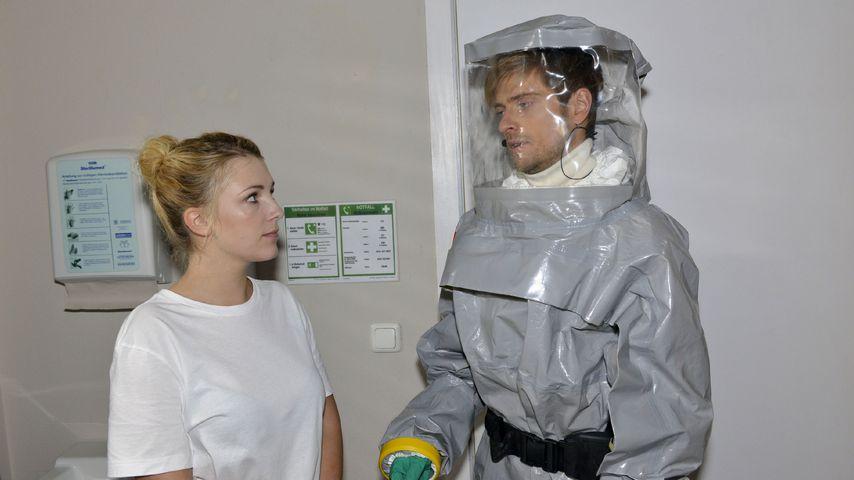 Lilly (Iris Mareike Steen) und Philip (Jörn Schlönvoigt) bei GZSZ