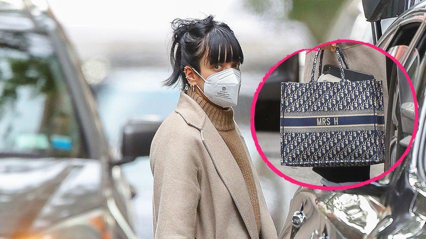 """Süßes Ehe-Statement: Lily Allen mit """"Mrs H""""-Tasche unterwegs"""