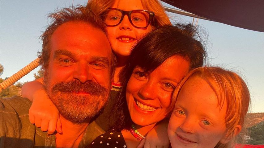 Lily Allen, Ethel, Marnie und David Harbour im August 2020