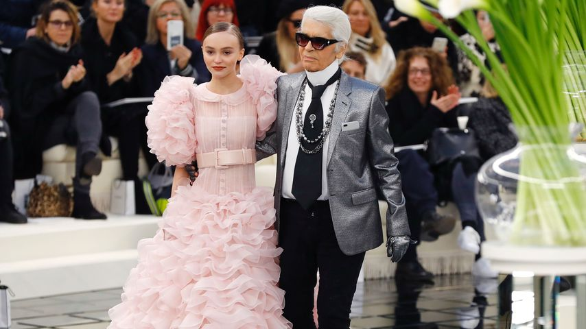Riesen-Ehre: Lily-Rose Depp ist Karl Lagerfelds Chanel-Braut