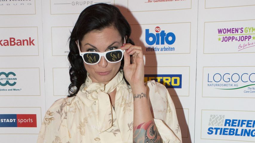 Tattoo-Girl Lina van de Mars: Traummann gesucht!