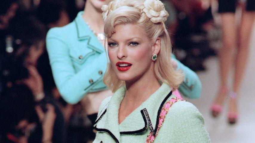 Linda Evangelista während einer Chanel-Show 1994