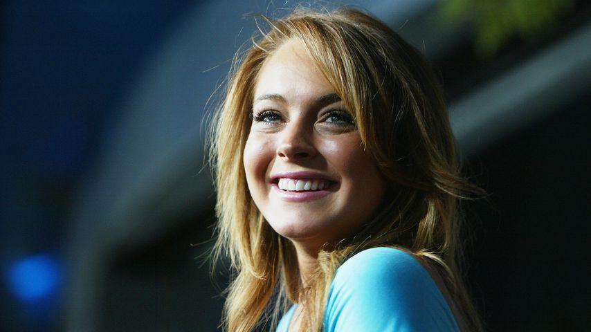 """Lindsay Lohan bei der Premiere von """"Girls Club"""" im Cinerama Dome Theater am 19. April 2004"""
