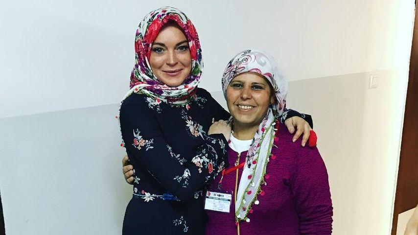 Absurd? Lindsay Lohan spendet Energy-Drinks an Flüchtlinge!
