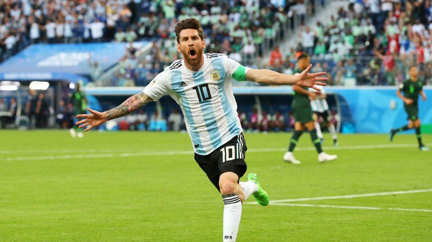 Messi-Glücksbringer: Deshalb trägt er rotes Band am Fuß