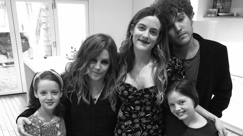 Lisa Marie Presley mit ihren vier Kindern